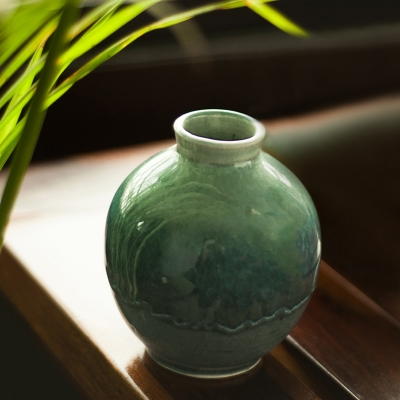 Handcrafted Studio Pottery Glazed Vase In Celadon Green