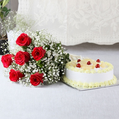 Red Roses and Pineapple Cake Combo