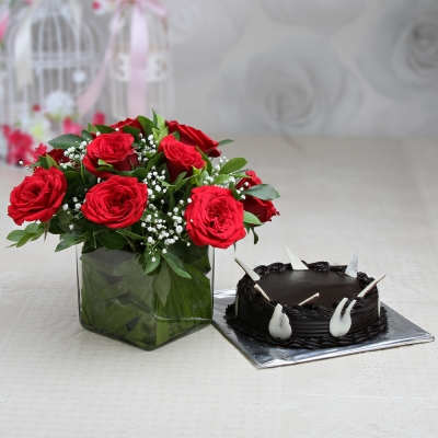 10 Roses with Chocolate Cake