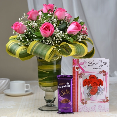 15 Pink Roses in Vase with Chocolate