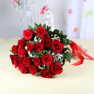 Fantastic Red Roses in Jute Wrapping