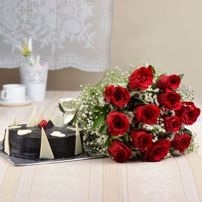 1/2 kg Chocolate Cake with 12 Red Roses