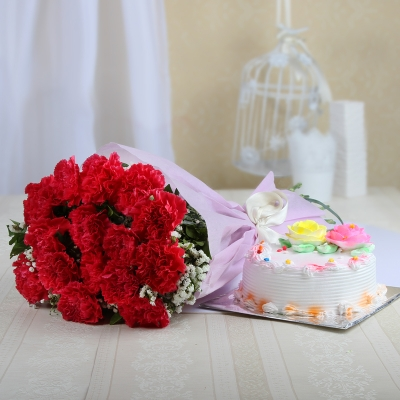Adorable Pink Carnations with Vanilla Cake