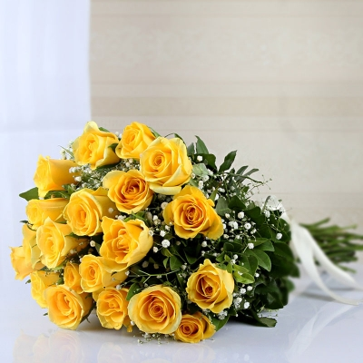 Alluring Yellow Roses with Matching Ribbon Bow