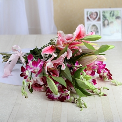 Alluring Lilies & Orchids Combo