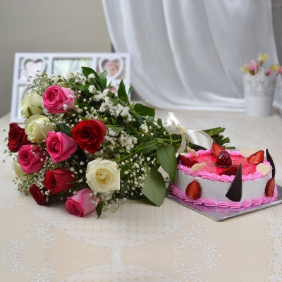 Strawberry Cake with 12 Rose Mix Bunch