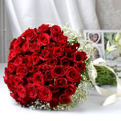 Bunch of 100 Roses for your Love