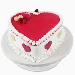 Heartshape Strawberry Cake (1.5 Kg)