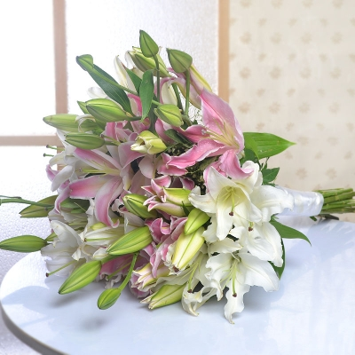 Captivating Pink and White Lilies Bunch