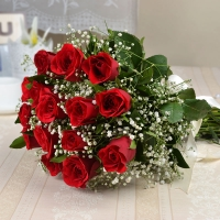 Bunch of 15 Red Roses in Jute Packing