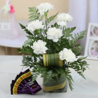 Vase Arrangement and Chocolates Combo