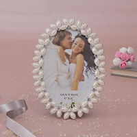 Oval Shaped Photo Frame