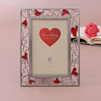 Photo Frame with Heart Designs Border
